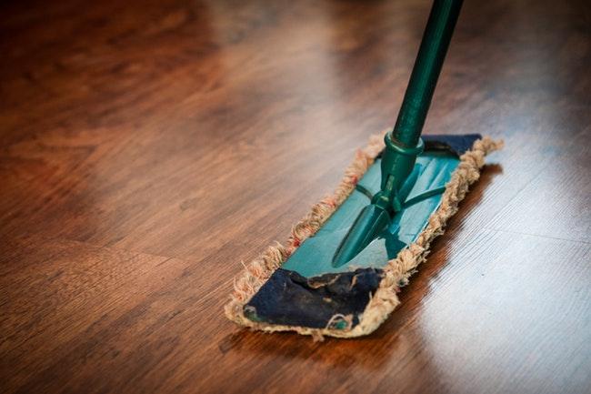 grundreinigung wohnung böden sauber machen